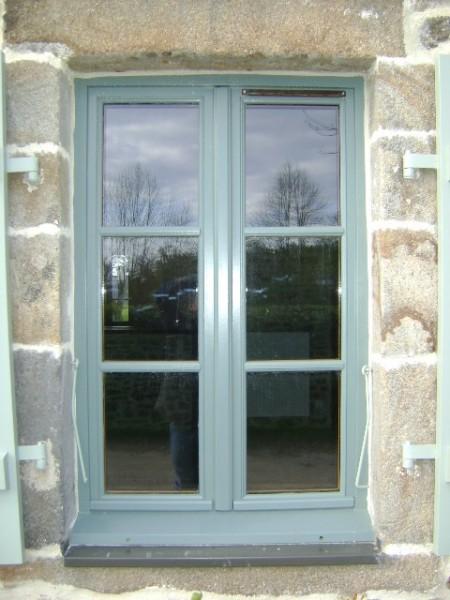 Fenêtre bois laqué petits bois rénovation Auvergne