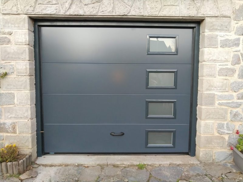 Porte de garage sectionnelle gris anthracite RAL 7016